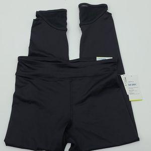 Nwt. Old navy black go dry 7/8 ankle leggings.